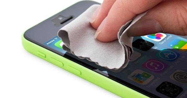 วิธีเช็ดทำความสะอาด iPhone