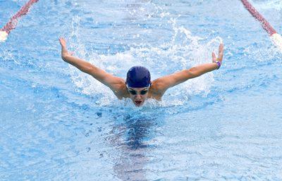 ว่ายน้ำ