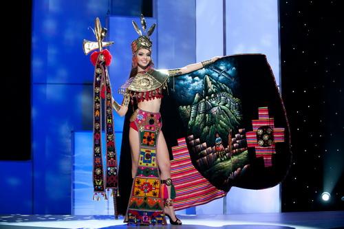 ชุดประจำชาติ Miss Universe 2011