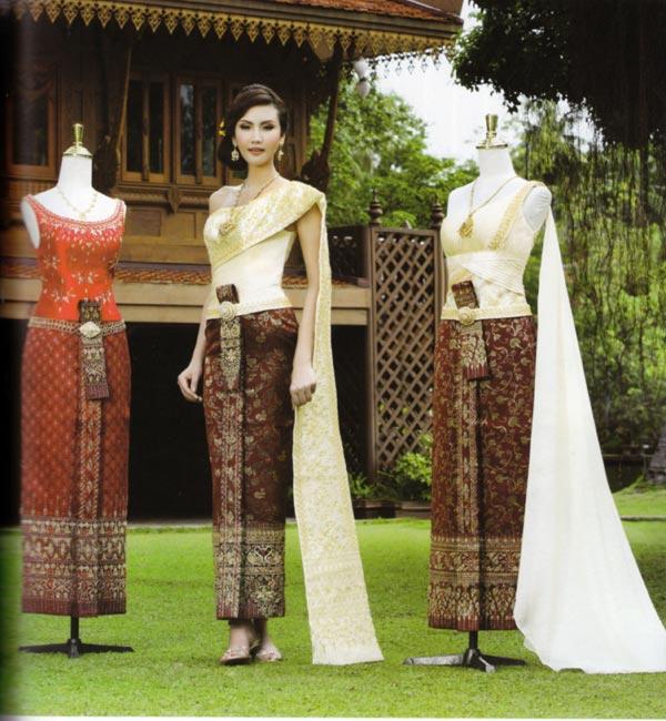 ชุดไทยแต่งงาน หลากหลายแบบ ในสไตล์เรียบ ๆ