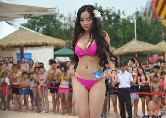 ชมหมวยจีนนับร้อย ประชันโฉมบนเวที Miss Bikini Global 2015