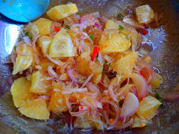 ยำมะนาวน้ำปลาหวาน