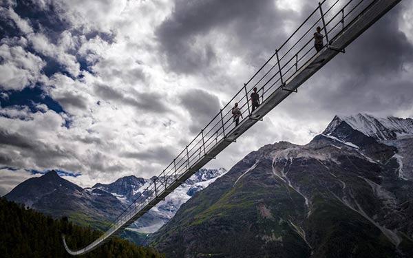สะพานแขวน สวิตเซอร์แลนด์