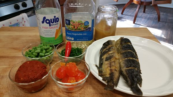 ปลาดุกฟูผัดพริกขิงไข่เค็ม
