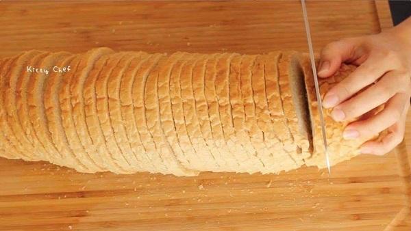 ขนมปังกรอบอบเนย