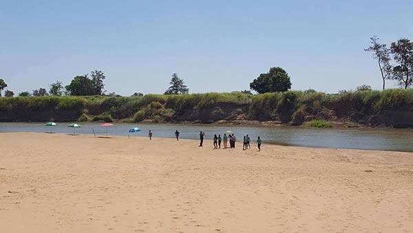 หาดทรายน้ำจืด