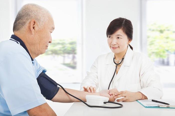 ตรวจสุขภาพผู้สูงวัย