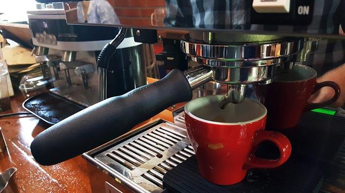 ร้านกาแฟสุพรรณบุรี