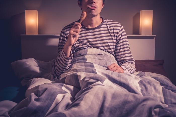 อาหารที่ไม่ควรกินก่อนนอน