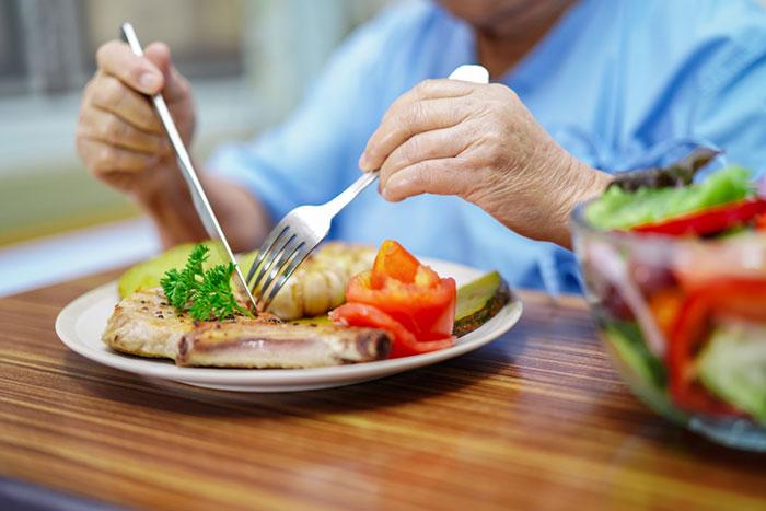 ผลการค้นหารูปภาพสำหรับ ทานอาหารบางชนิดเพิ่มขึ้น