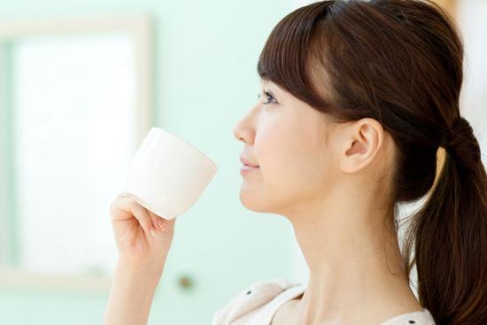 ประโยชน์ของน้ำมะนาว ดื่มอุ่น ๆ ยามเช้า ดีแค่ไหนต้องพิสูจน์