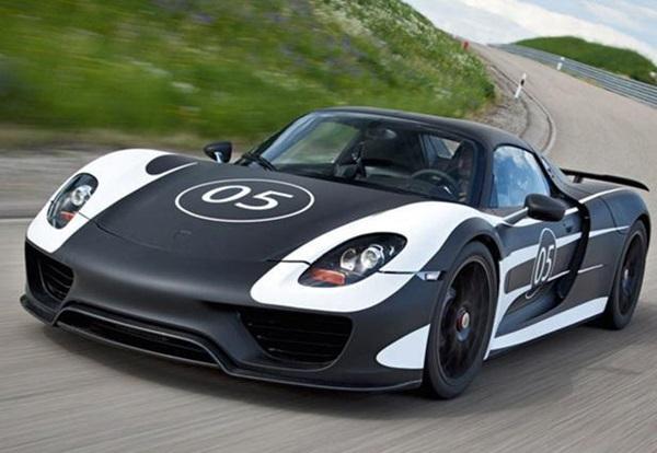 Porsche 918 Hybrid อีกหนึ่งซุปเปอร์คาร์อันทรงพลัง