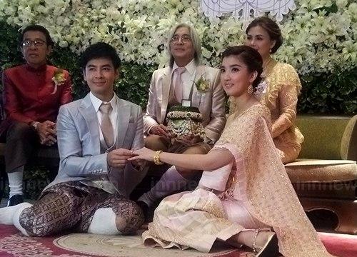 งานแต่งออย ธนา