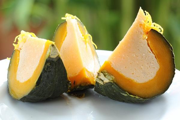 สังขยาฟักทอง ขนมไทยสีเหลืองทองเนื้อเนียนนุ่ม