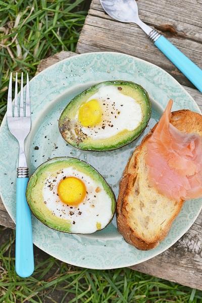 อะโวคาโดไข่อบ เมนูไข่อิ่มท้องได้ประโยชน์