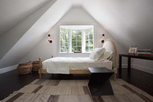 ห้องนอนใต้หลังคาเก๋ ๆ ที่เห็นแล้วแอบอิจฉา