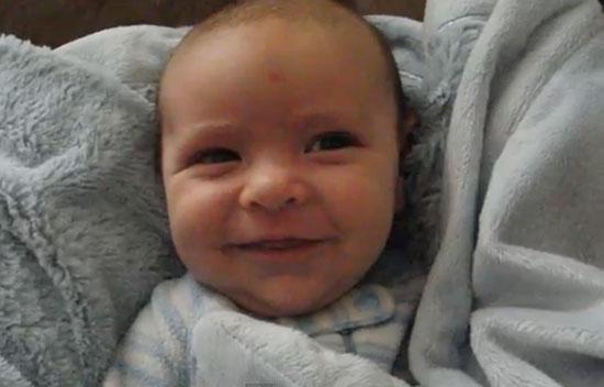 น่ารัก! ทารกน้อยแสดงสีหน้าครบทุกอารมณ์ใน 1 นาที