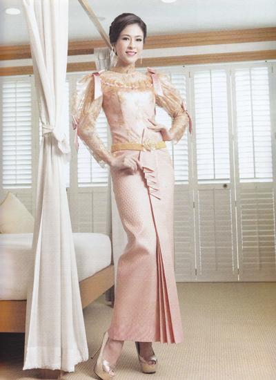 ชุดแต่งงานไทยแขนยาว ตัวช่วยของสาวต้นแขนใหญ่
