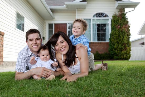 Image result for รูปครอบครัวอยู่ในบ้าน