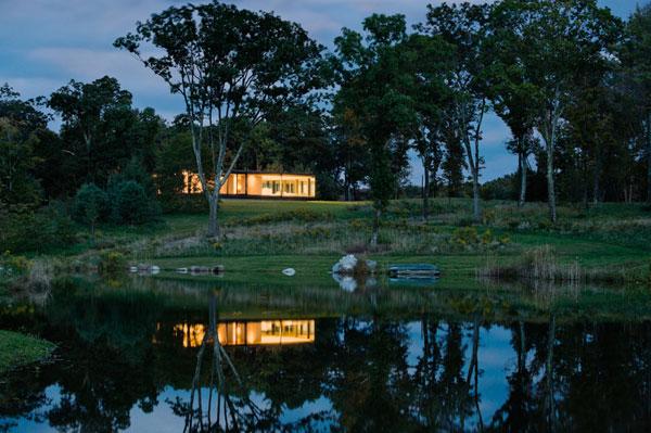 บ้านชั้นเดียวแนวโมเดิร์น กับสีสันของธรรมชาติ