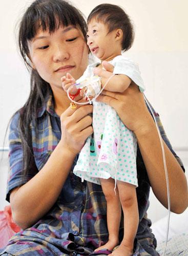เด็กน้อยจีนตัวเล็กที่สุดในโลก 3 ขวบสูงแค่ 54 ซม.