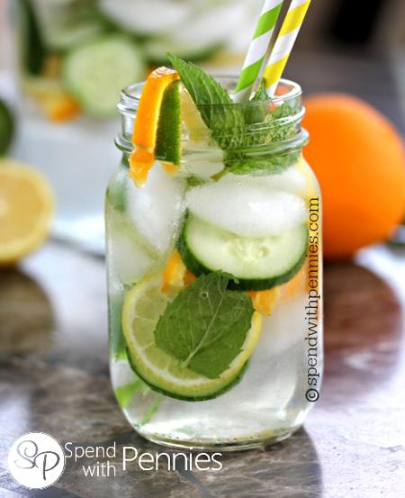 10 สูตรน้ำดีท็อกซ์ เครื่องดื่มอินเทรนด์ สีสันสดใสได้สุขภาพ
