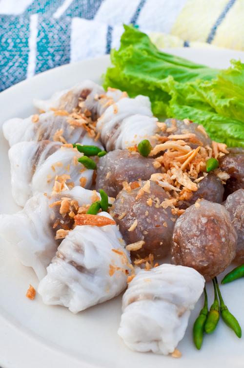 สาคูไส้หมู ข้าวเกรียบปากหม้อ ขนมไทยยอดนิยม