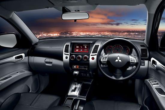 Mitsubishi Pajero Sport V6