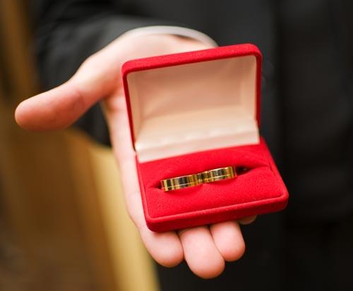 วิธีเลือกแหวนแต่งงาน ให้เหมาะสำหรับเจ้าบ่าว