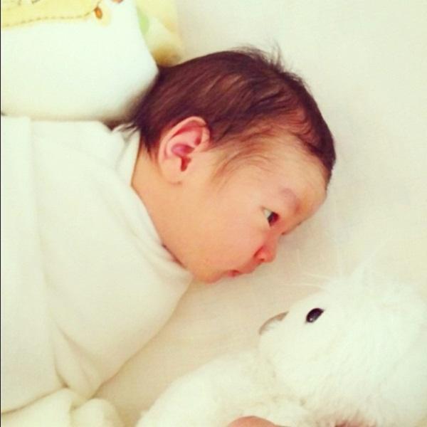น่ารักน่าชัง น้องเอรีส ลูกชาย จอย วราลักษณ์