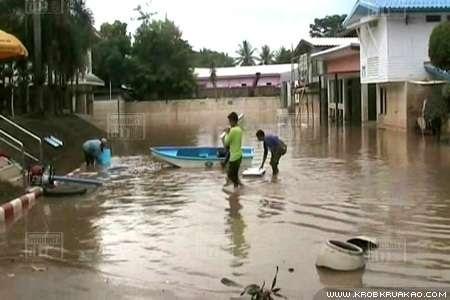 น้ำท่วมแม่สอด เริ่มคลี่คลาย-ประชาชนไม่มีน้ำประปาใช้