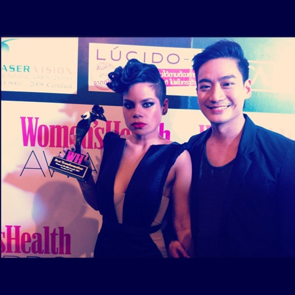 เริ่ดอ่ะ! โอปอล์ แหวกอกโชว์ ร่วมงาน Women's Health Awards 2012